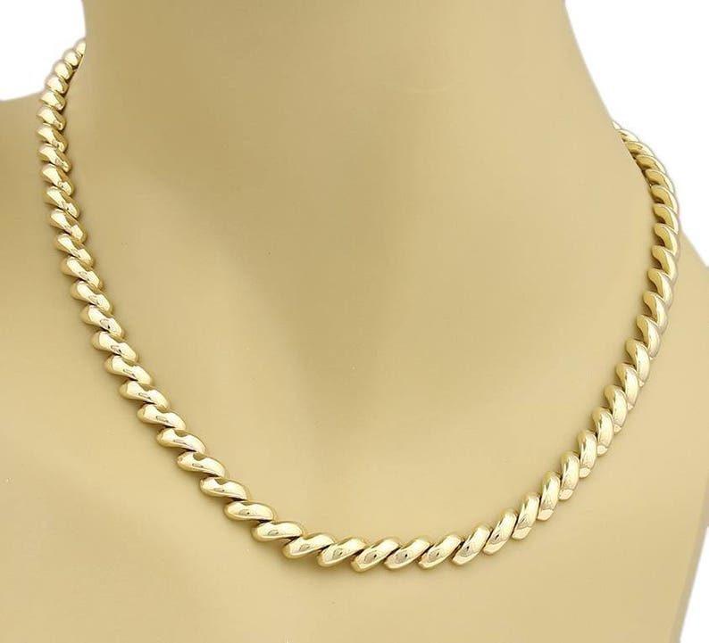 e8003f1c73f Vintage Tiffany   Co. 18k Yellow Gold Macaroni Link Necklace