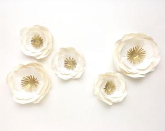 Paper flowers, table decoration
