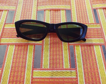 cfe4078910a Vintage 1950s Cool Ray Polaroid Cat-Eye Sunglasses Black