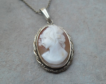 Vintage rolled gold marked Rolled Gold shell cameo necklace