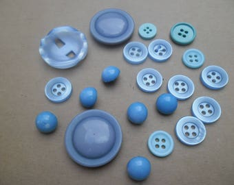 20 VINTAGE sky blue buttons 25 mm to 11 mm / BUTTONS / buttons