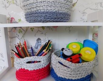 Nesting T-shirt yarn storage baskets