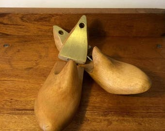 Shoe trees gold and waxed beech wood, vintage size 37