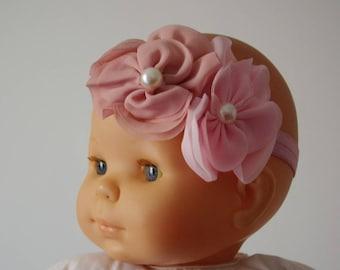 9e0c6b18fee96 Bandeau bébé Fleur mousseline ton vieux rose