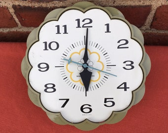 Vintage Wall Clock, General Electric, Electric Clock, Olive Green
