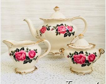 Beautiful Sadler Teaset in stunning roses