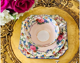Beautiful Vintage AYNSLEY trio, Tea Cup, Saucer and Tea Plate.