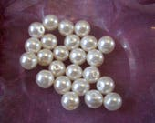 Pearls Pearly effect plas...
