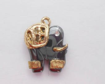 Hematite Elephant pendant and metal gold 20 x 16 mm