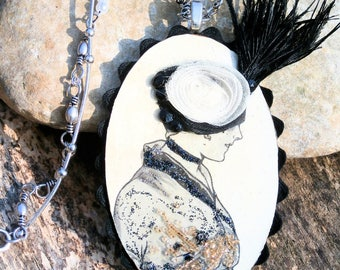 mid-length necklace - black-beige authentic engraving 1908 - old paper old feathers