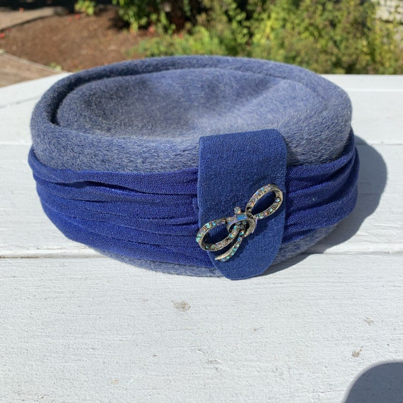 1950s Stetson Fifth Avenue Blue Pillbox Hat - image 1
