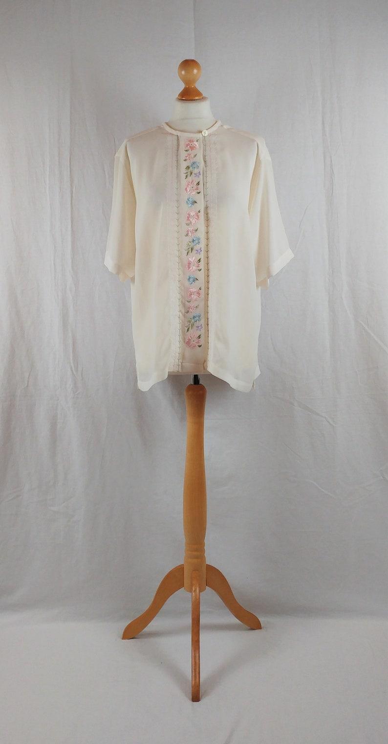 Vintage Claus 1980s Pastel /& Cream Floral Embroided Blouse