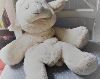 White sheep pyjama holder for baby