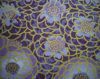 Purple and gold flowers ref 120/512v patchwork fabric
