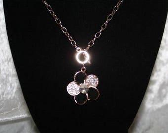 Flower pendant chain necklace