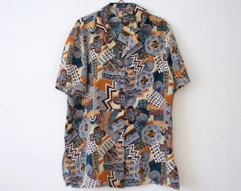 01935facc37b Vintage Men s Abstract Silk Shirt    Button Up Shirt    Collared Short  Sleeve Shirt    L Large    80s 90s Clothing