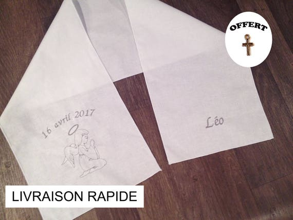 Echarpe de baptême 0-2 ans brodée avec un ange le prénom de   Etsy baa7bae16ba