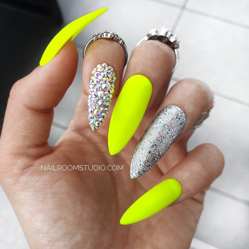 10 false nails  matte neon yellow lime silver sparkle glitter image 0