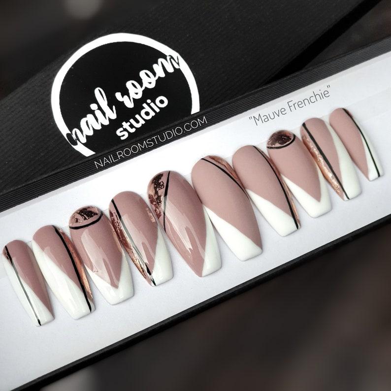 10 press on nails set Mauve Frenchie pink image 0