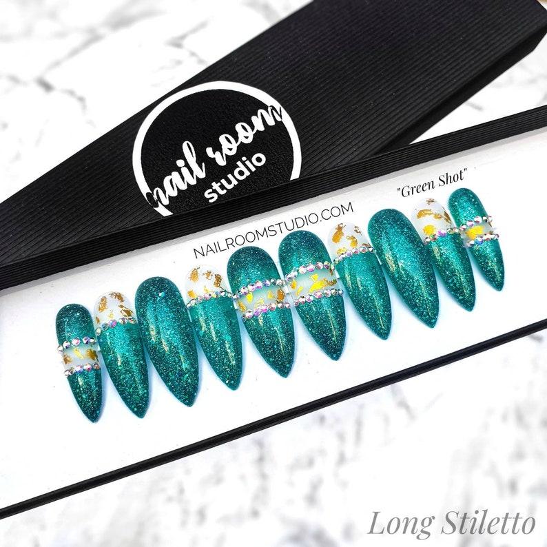 Green Shot glittery 10 press on nails  custom fake tips  image 0