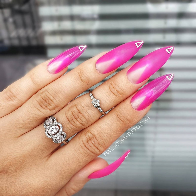 10 false nails  matte glossy negative space silver triangle image 0