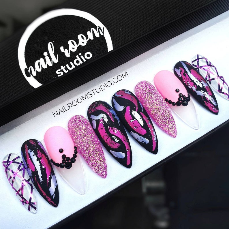 Pinky Winky exclusive 10 press on nails  black crystals clear image 0