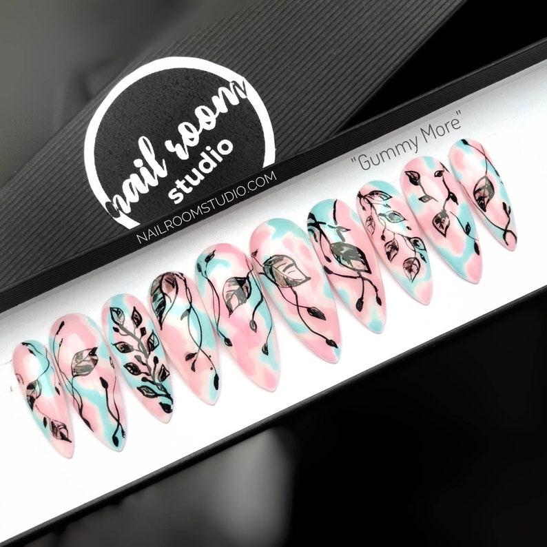 Set of 10 press on nails Gummy More  pastel pink image 0