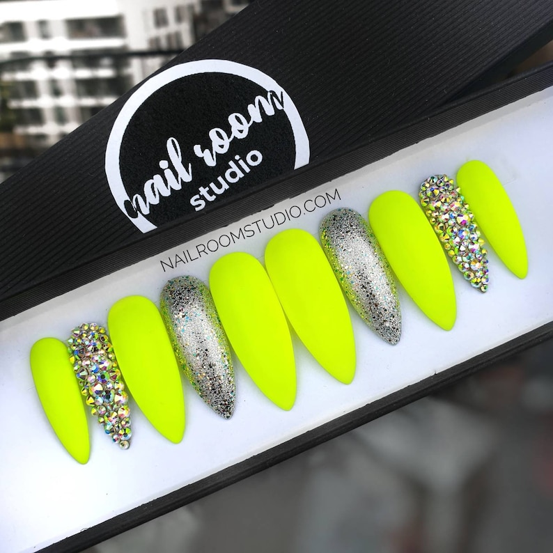 10 false nails  matte neon yellow lime silver sparkle glitter image 0