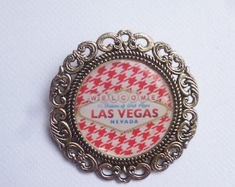 "Brooch round silver metal ""Las Vegas"""