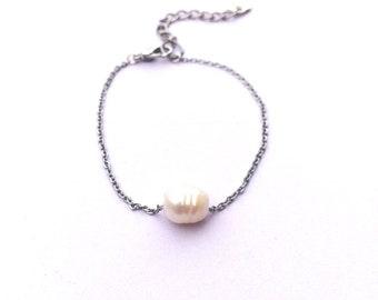 Steel and pearl bracelet freshwater