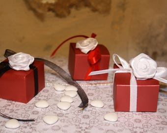 Set of 6 containers in red card favors for wedding or packaging for small gifts