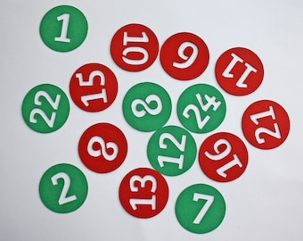 Set of 24 round figures of cardstock for Christmas or advent calendar