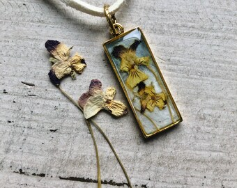 Pressed Flower Pendant - Wood Violet