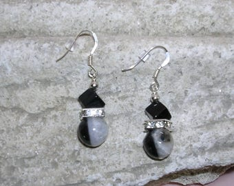 Pierced in stones of Agate and Onyx Silver earrings