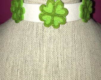 White choker with ornaments clovers