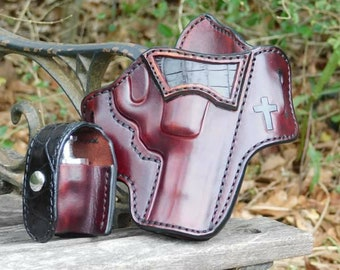 Alligator Accent Outside the Waist Band Leather Holster