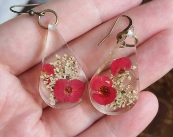 Real dried flower earrings - resin jewelry - flower earrings - botanical jewelry - nature jewelry
