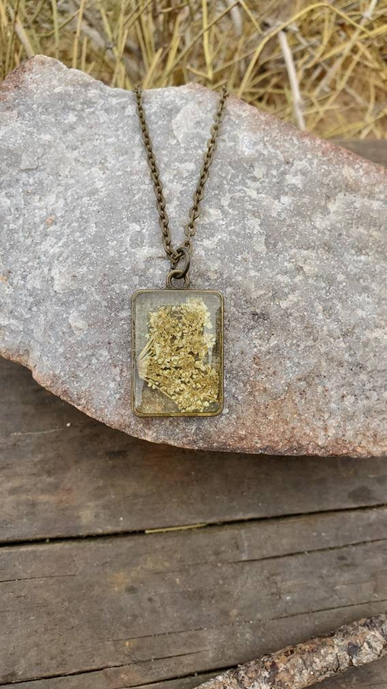 dried flower necklace Real Queen Ann/'s lace Pendant