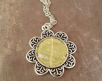 Fern necklace. Botanical jewelry. Nature gifts. Fern jewelry. Dried ferns. Resin necklace.