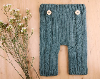 Knitting pattern - Newborn baby pants - Knit The Wavy Sea Pants