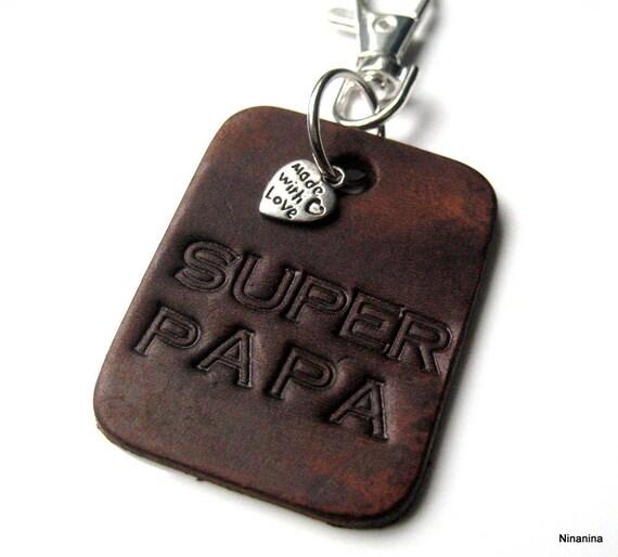Porte-clé cuir personnalisé SUPER PAPA N3087   Etsy 311fbf93adb