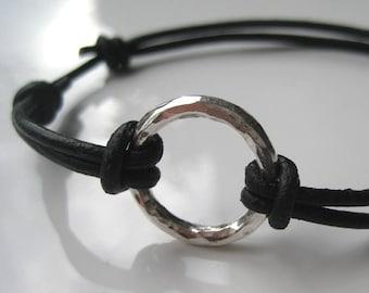 Mens leather bracelet and 925 hammered N2453