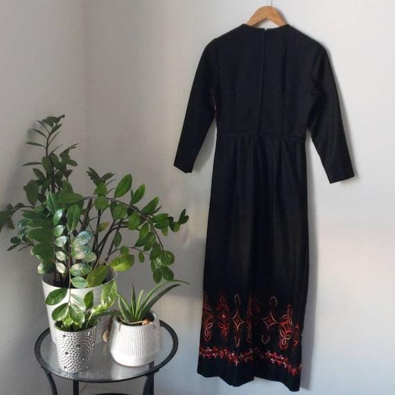 Vintage 60s/70s Berkshire Embroidered Dress - image 4