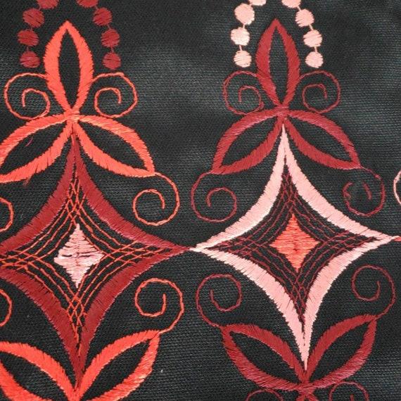 Vintage 60s/70s Berkshire Embroidered Dress - image 7