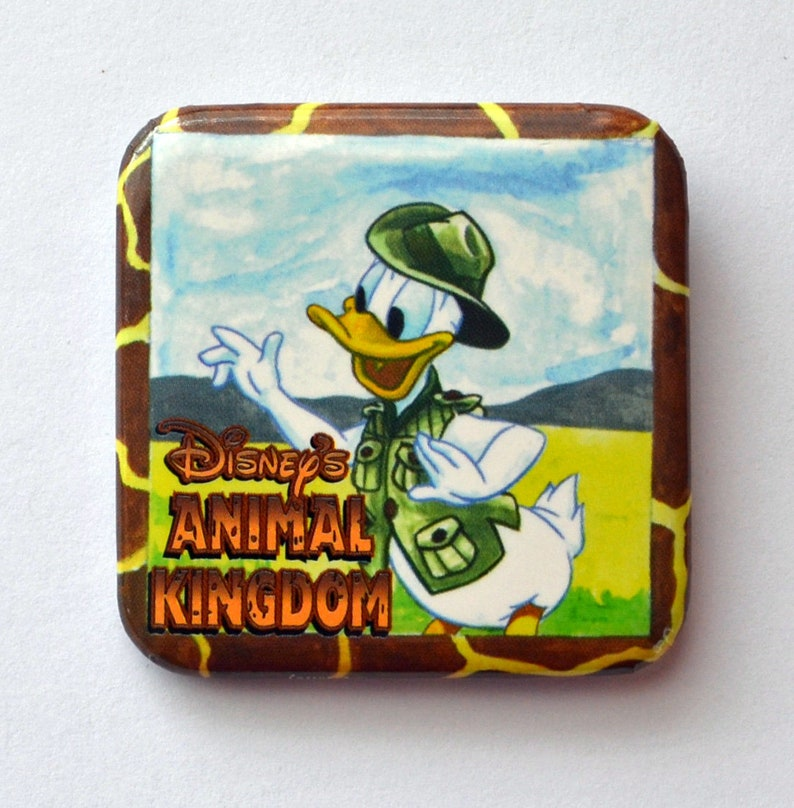 2598B Disney/'s Animal Kingdom Ranger Donald Duck Square Metal Pin Button Walt Disney Company With Green Hat and Vest
