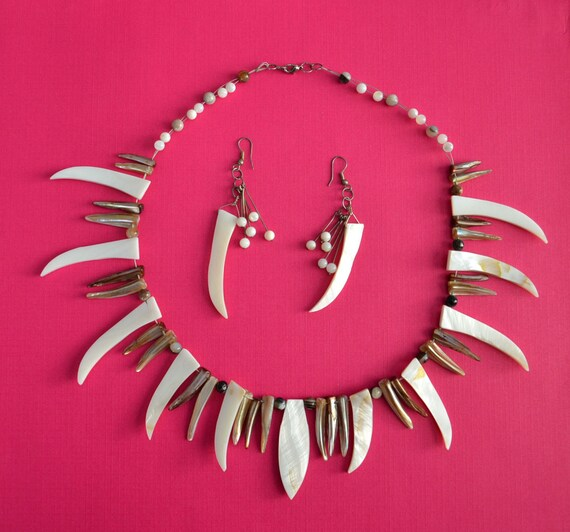Handmade Red and Pink Mother of Pearl Pendant Neckalce Set