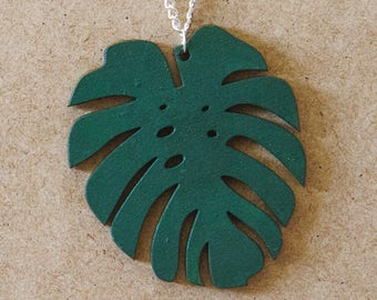 MONSTERA LEAVES NECKLACES