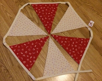 Red and cream Christmas bunting
