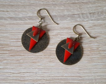 Sequins earrings bronze triangles enameled red and bronze Bohemian boho trend possible clips