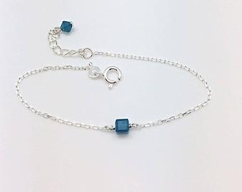 Silver bracelet and cube Swarovski Crystal Caribbean Blue Opal